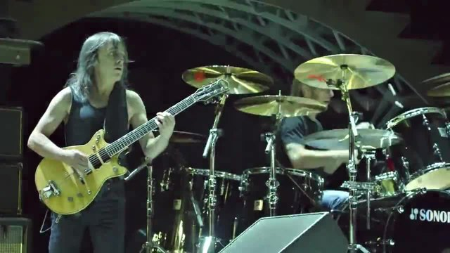 AC/DC - Whole Lotta Rosie (Live At River Plate 2009)