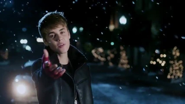 Justin Bieber - Mistletoe (Official Video - 2011)