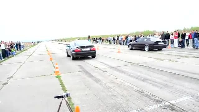 ‪BMW E46 Turbo Vs E36 325‬‏